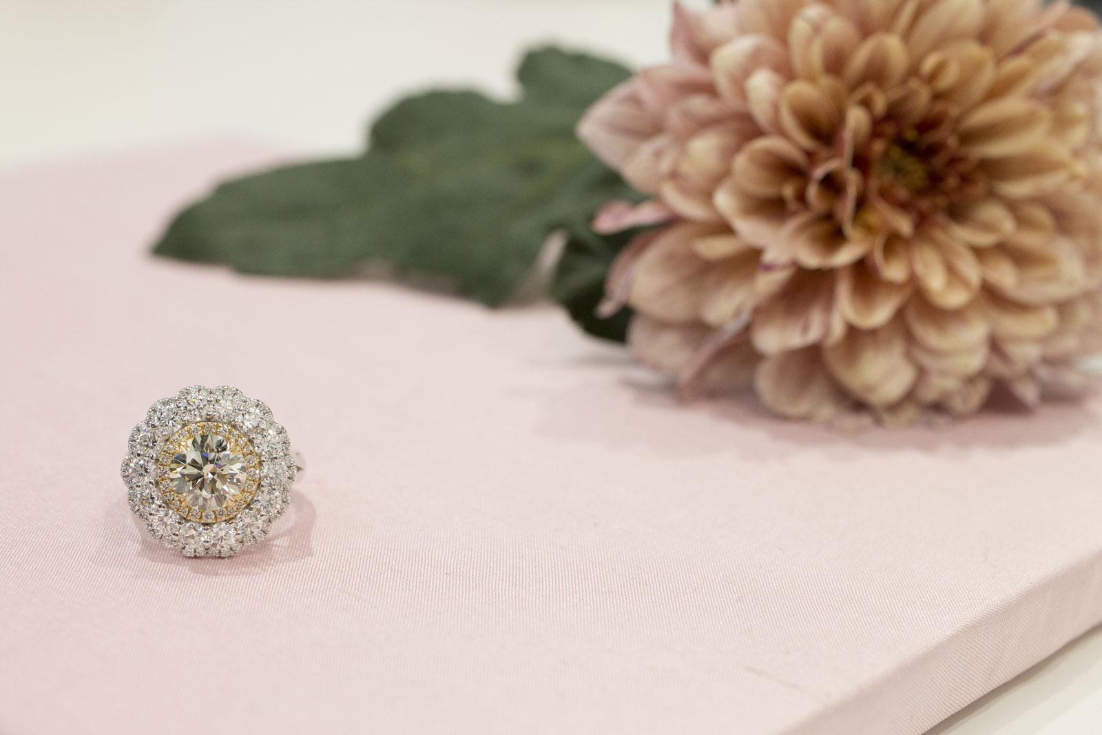 Michael O´Dwyers fantastiska ring som vi fotograferade på Precioius.